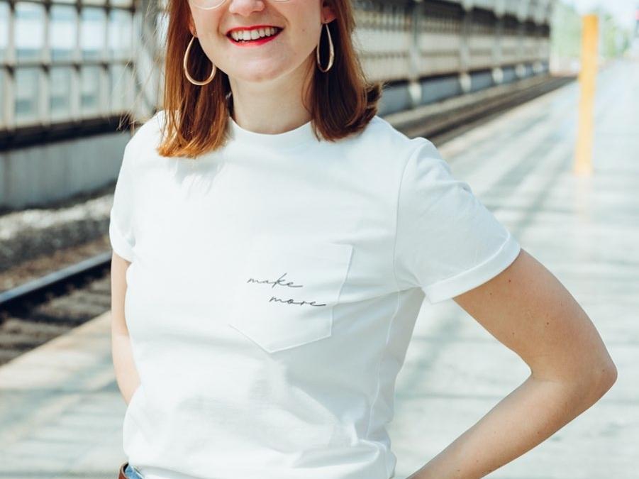 """LAST CHANCE 💥 nur noch heute kannst du mein neues Schnittmuster vom Shirt Amsterdam zum Einführungspreis abstauben 💨🙌🏼 Den Link dazu findest du direkt in meinem Profil. ⬆️ Außerdem neu im Shop: Fertige Aufdrucke zum selbst Aufbügeln 👌🏼 Es gibt viele Motive in schwarz und weiß ◾️◽️ Die ersten 10 Bestellungen erhalten einen """"handmade"""" Aufdruck gratis 🖤 Ich hoffe ihr genießt alle einen richtig schönen und sonnigen Sonntag ☀️🧡"""